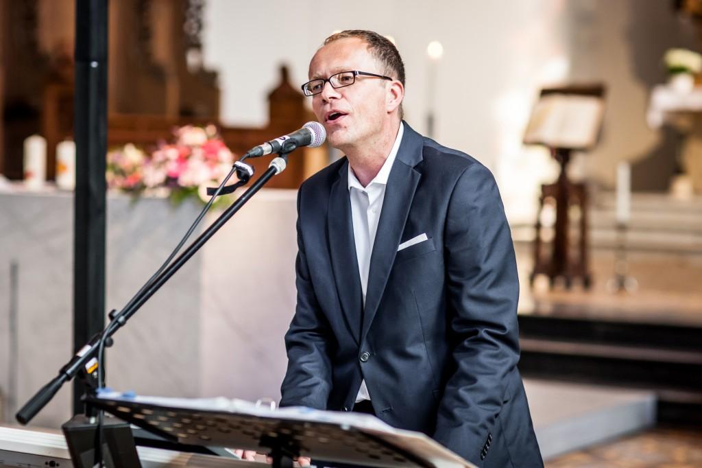 Lutz Strenger singt für Sie zur Hochzeit - in ganz NRW.