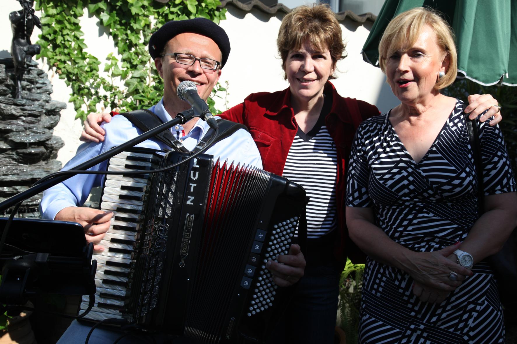 Wohnraum Meerbusch akkordeon hochzeitssänger