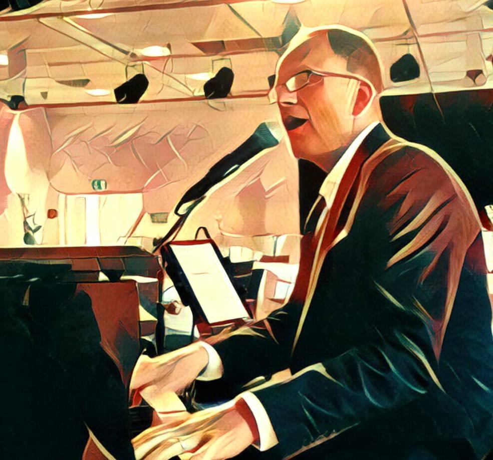 Lutz Strenger singt und spielt die größten Hits, aber auch die stillen Balladen von Udo Jürgens